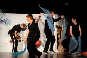 Unter der Regie unserer Fachlehrerinnen für Rhythmik und Musikalische Früherziehung gelangen die Schüler zu expressiven Leistungen
