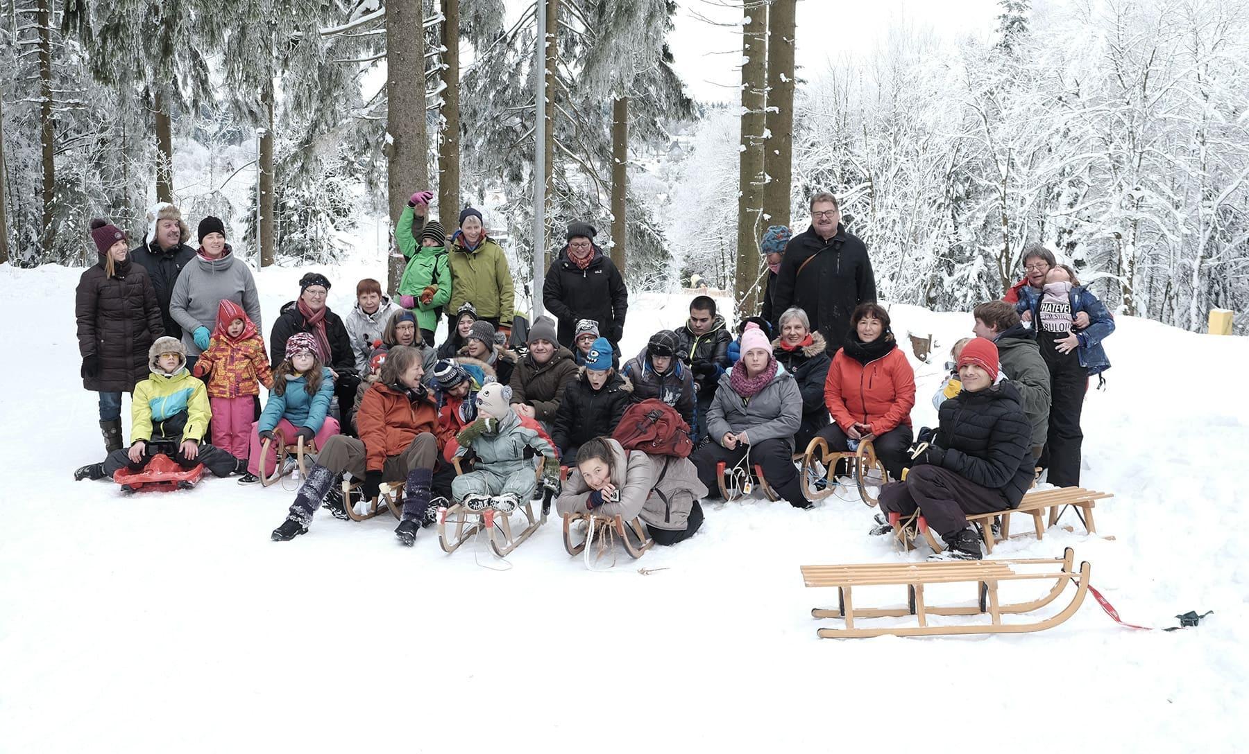 Rodeln im Harz ist Winterspaß für Schüler und Betreuer des Deutschen Taubblindenwerks