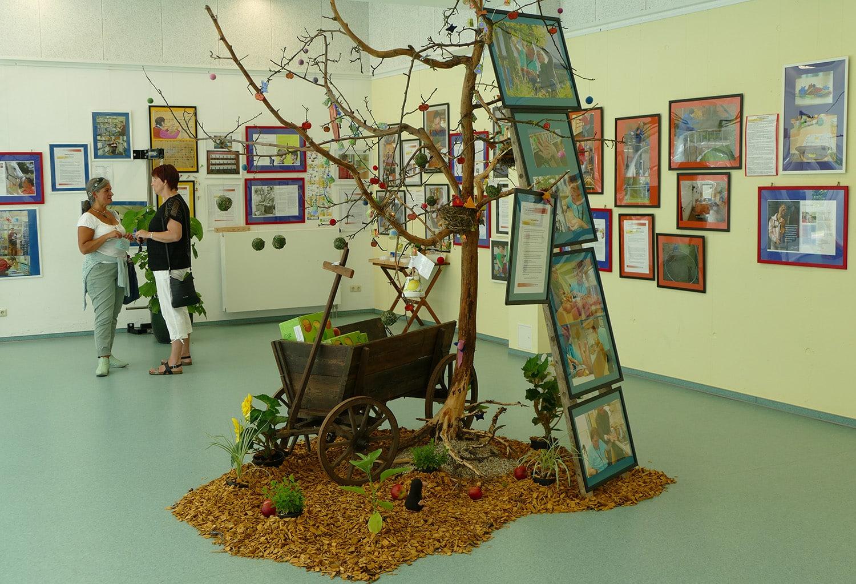 Teil der Kunst- und Fotoausstellung im Deutschen Taubblindenwerk in Fischbeck