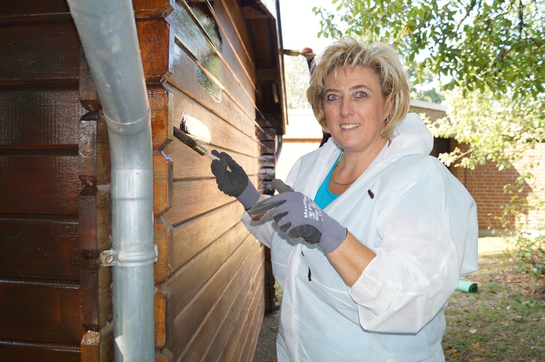 Aktiv für Taubblinden: Beim Social Day kommt neuer Glanz in die Hütte