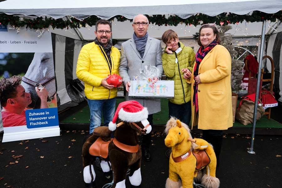 Spendenübergabe vom Sparkassenverband Niedersachsen an das Deutschen Taubblindenwerk