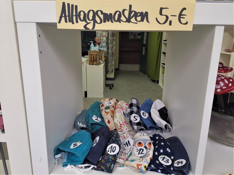 Alltagsmasken im Werkstattladen